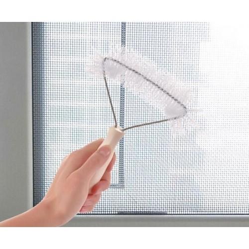 Щетка для мытья москитных сеток